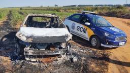Veículo utilizado no roubo ao Shopping é encontrado queimado