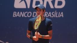 Heide cai nas quartas em torneio profissional de Brasília