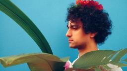 Evento on-line traz show com o cantor Gustavo Infante