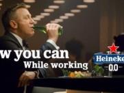 James Bond bebe Heineken 0% álcool