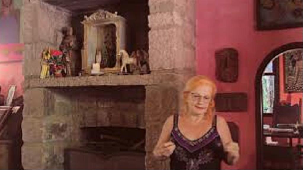 Olga Bilenky volta ao passado dentro da Sala de Memória da Casa do Sol - Foto: Instituto Hilda Hilst