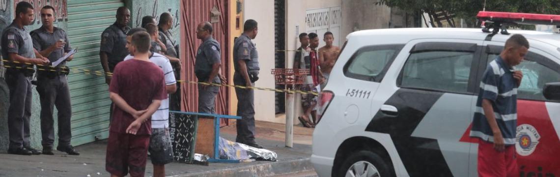 Homem foi assassinado na tarde desta sexta-feira (15) - Foto: Matheus Urenha / A Cidade