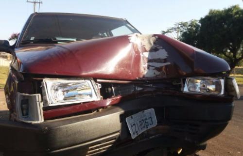 Homem bateu com carro em poste - Foto: ACidade ON - São Carlos
