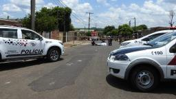 Polícia prende mulher acusada de matar homem com garrafadas