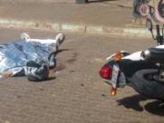 Homem é morto a tiros por dupla de criminosos em moto no CDHU