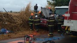 Quatro pessoas são socorridas após grave acidente em vicinal