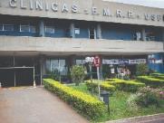 Jovem que atirou na própria virilha segue internado no HC de Ribeirão