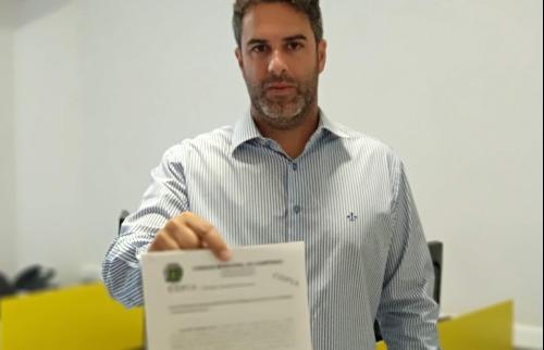 Hossri com o pedido de CPI (Foto: Divulgação) - Foto: Divulgação