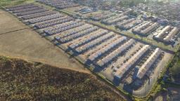 Secretaria de Habitação entrega 286 casas populares em Ibaté