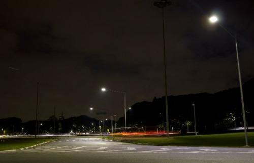 Foto: Marcos Santos/USP Imagens - Hardware permite calcular gasto de energia de cada poste da iluminação pública  (Foto: Marcos Santos/USP Imagens)