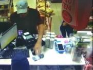 PM prende suspeito de assaltar loja de conveniência em SBO