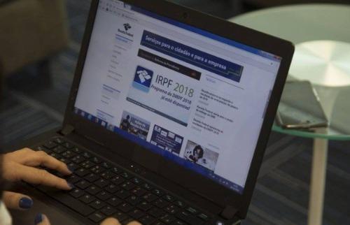 Imposto de renda deve ser entregue até 30 de abril - Foto: Agência Brasil
