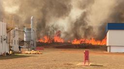 Incêndio atinge área de vegetação em propriedade da Embraer
