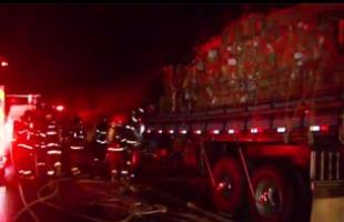 Reprodução EPTV - Bombeiros combatem incêndio em caminhão na rodovia Anhanguera (foto: Luciano Tolentino / EPTV)
