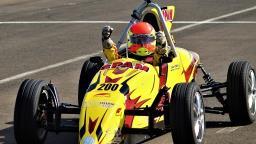Piloto campineiro conquista título antecipado da Fórmula Vee