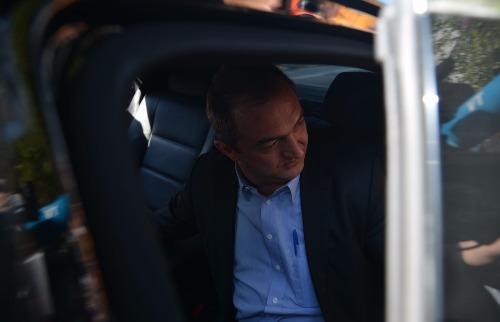 Rovena Rosa / Agência Brasil - Após ter prisão decretada, empresário Joesley Batista se entrega neste domingo