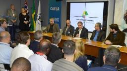 Prefeitura assina repasses com a Caixa no valor de R$ 1,6 mi