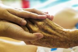 Proteger os idosos contra quaisquer violações é dever de todos