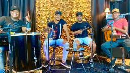 Live com roda de samba destaca trabalho de Juninho e Amigos