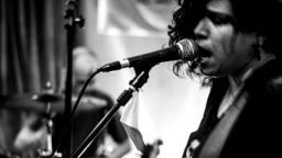 Noite autoral traz rock alternativo para Araraquara
