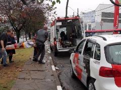 Ladrão foi socorrido pelo Samu. Foto: Código 19/Denny Cesare - Foto: Denny Cesare