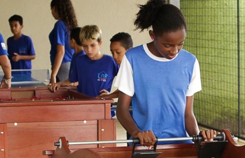 Da reportagem - Lar Juvenil recebe brinquedos do Rotary de Araraquara (Foto: Daniel Barreto)