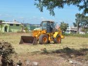 Prefeitura aplica mais de mil multas em proprietários de terrenos sujos