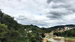 Circuito das Águas Paulista amanhece com sol entre nuvens