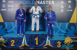 Divulgação - Linomar Deroldo, de 54 anos, foi ao pódio no torneio em Las Vegas