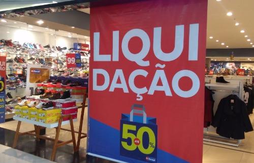 Da reportagem - Liquidações atraem consumidores para o Jaraguá