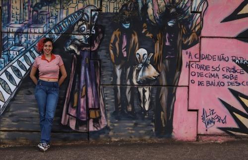Liz Under e seu grafite na Via Expressa (Foto: Amanda Rocha/ACidadeON) - Foto: Amanda Rocha