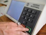 Votos brancos e nulos contrariam previsões de especialistas