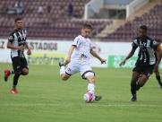 Ferroviária derrota Corumbaense por 2 a 0 e se mantém na liderança