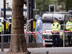 Veículo atropelou pessoas em frente a museu em Londres; veja mais fotos na galeria - Foto: ALASTAIR GRANT/ASSOCIATED PRESS/ESTADÃO CONTEÚDO