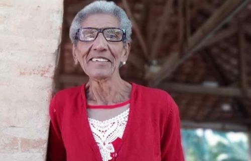 Lourdes Ambrózio Rosa, atropelada por trem na manhã de hoje, sofria de Alzheimer e estava desaparecida (Fotos: Rede Social) - Foto: Outros