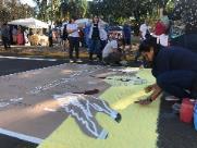 Mais de mil voluntários participam da produção dos tapetes de Corpus Christi
