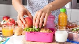 Volta às aulas: confira dicas para uma lancheira saudável