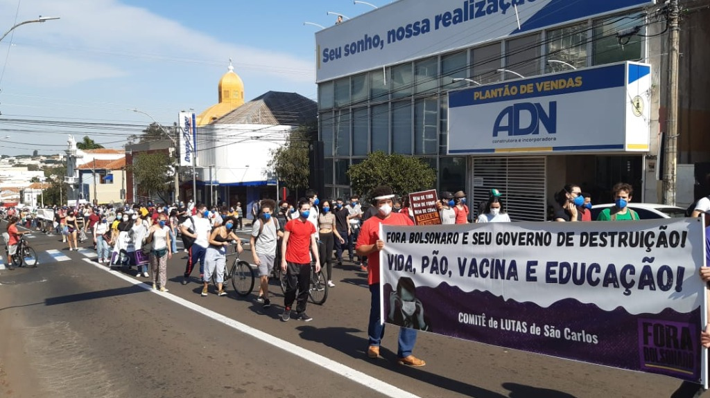 Manifestação provocou congestionamento na Av. São Carlos. Foto: CBN São Carlos - Foto: ACidade ON - São Carlos