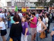 Manifestantes se concentram para ato no Largo do Rosário