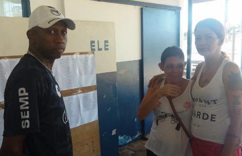 Mão se desespera ao saber que o filho foi transferido para presídio a mais de 200km de Araraquara (Willian Oliveira/ACidadeONAraraquara) - Foto: ACidade ON - Araraquara