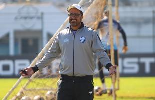 F.L.Piton / A Cidade - Técnico Marcelo Dias muda o time titular, já que o volante Jordã está suspenso por expulsão