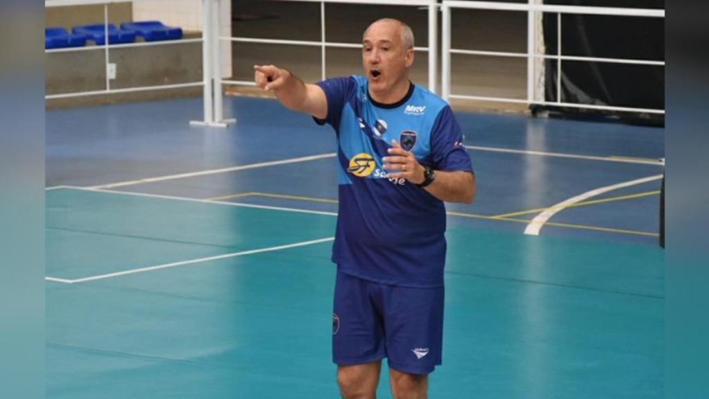 O técnico do Vôlei Ribeirão, Marcos Pacheco (Foto: Divulgação / FollowX Comunicação) - Foto: Divulgação / Redes Sociais