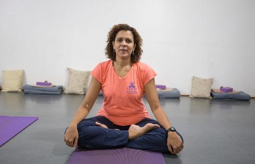 Weber Sian / A Cidade - Para a professora de yoga Maria Teresa de Moraes, através da meditação é possível fazer um treinamento de firmeza, de consciência e presença, que leva a uma maior concentração