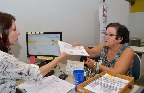 Da reportagem - Marli Polizel Laurentino é costureira e foi no Banco do Povo buscar crédito