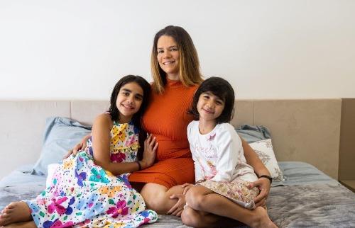 Marta Faleiros e os filhos (Foto: Weber Sian / ACidade ON) - Foto: ACidade ON - Ribeirão Preto