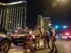 Massacre ocorreu no domingo à noite, durante apresentação do astro de música country Jason Aldea. Foto: John Locher/Associated Press/Estadão Conteúdo - Foto: Foto: John Locher/Associated Press/Estadão Conteúdo