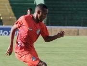 Mateusinho será inscrito como atleta profissional do Guarani