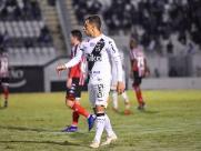 Ex-atacante do Fluminense faz exames na Ponte Preta