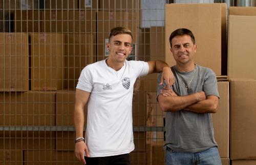 Matheus Urenha / A Cidade - Filho e pai unem experiências e trabalham juntos em distribuidora de Ribeirão Preto; desafio é separar  profissão do lado pessoal