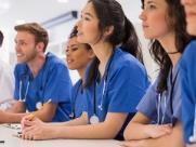 O salário de um médico é mesmo tão bom quanto dizem?